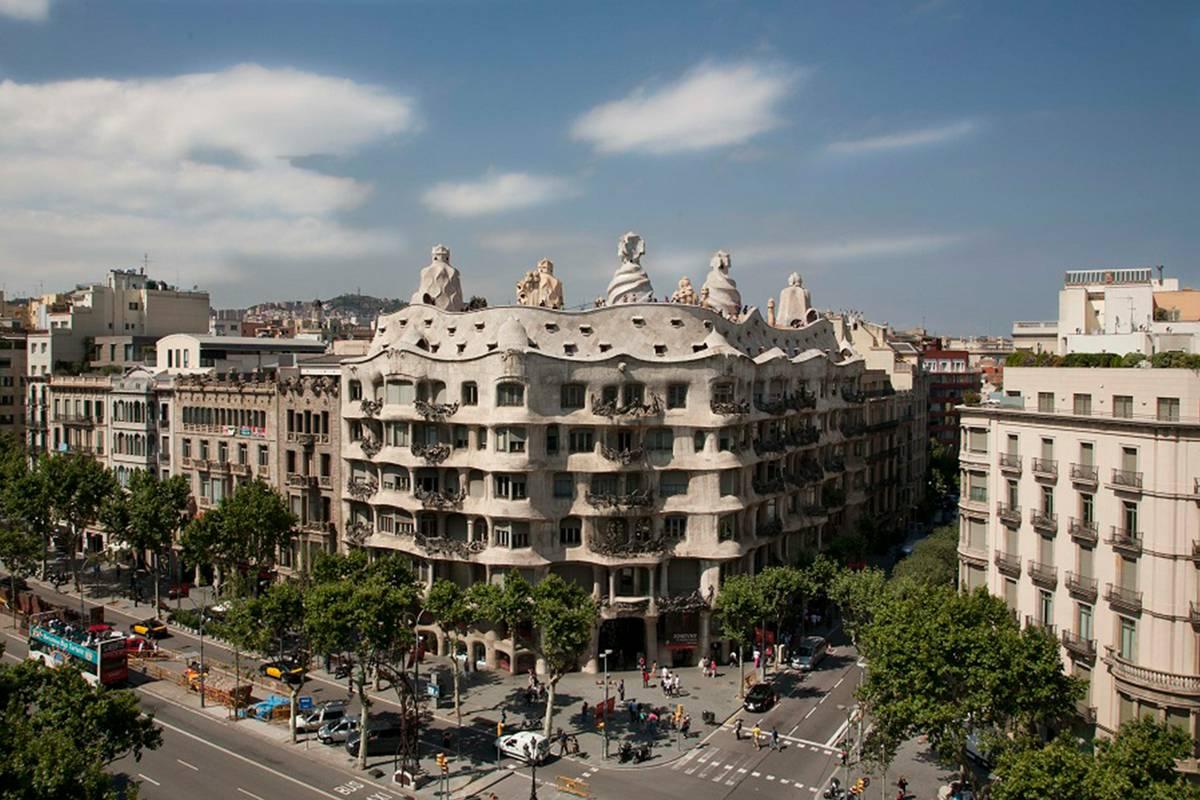 Casa Mil 224 La Pedrera Barcelona Ruebarue