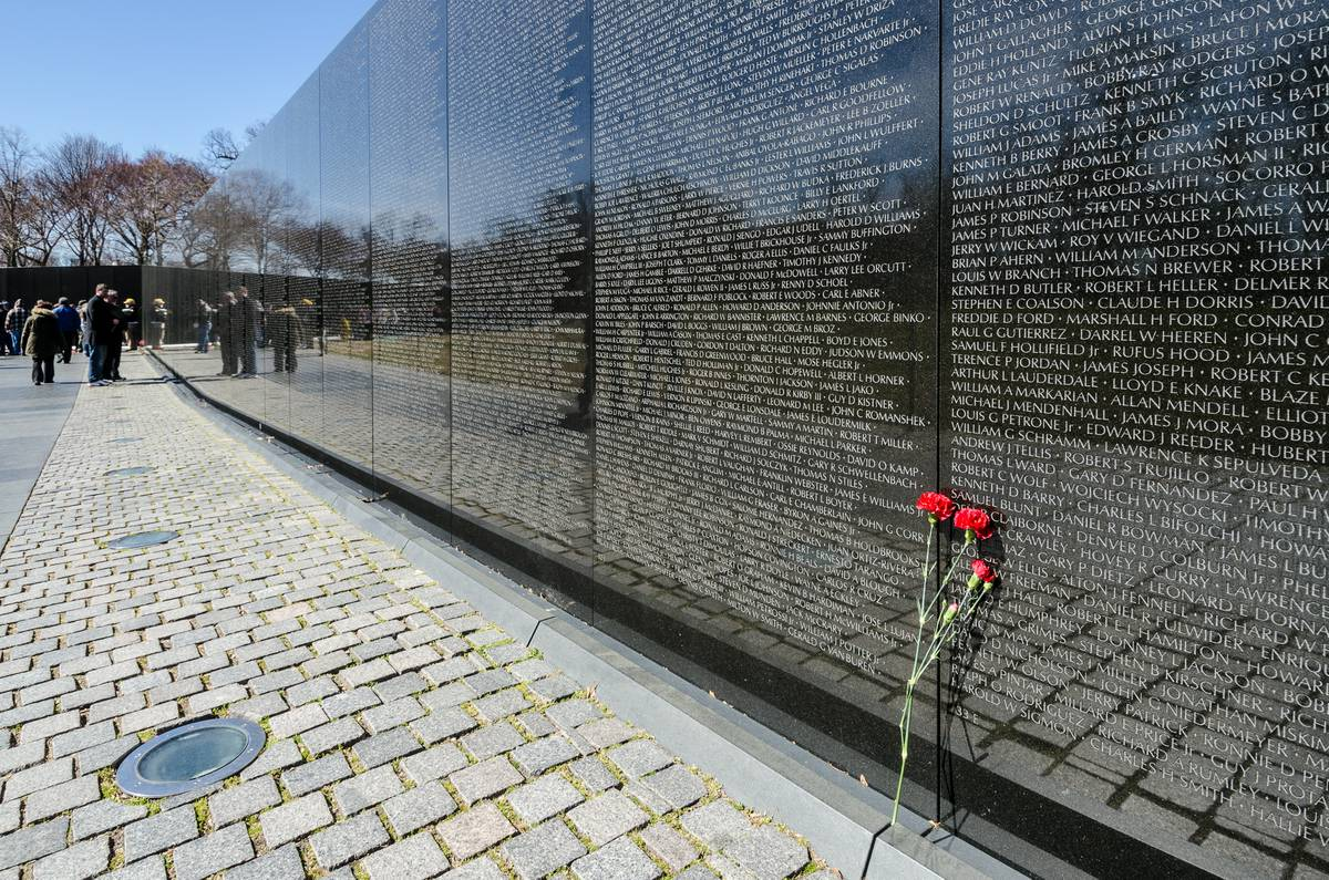 Vietnam Memorial Wall Names Related Keywords Suggestions