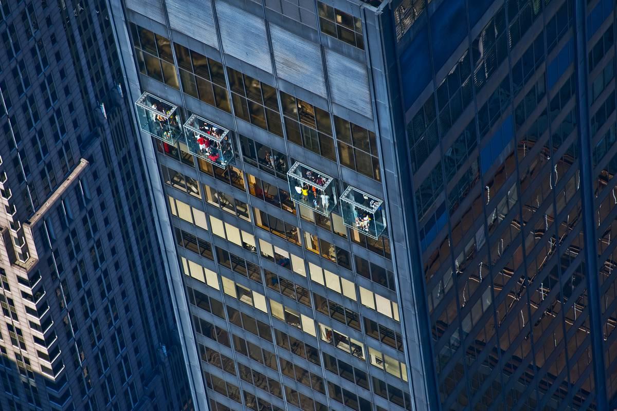 Willis Tower Skydeck, Chicago - RueBaRue