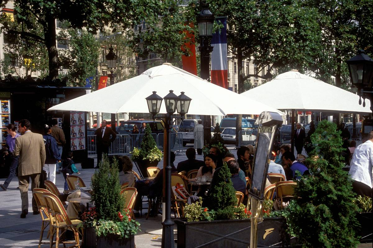 eating out in paris
